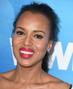 Kerry Washington wearing fuchsia lipstick